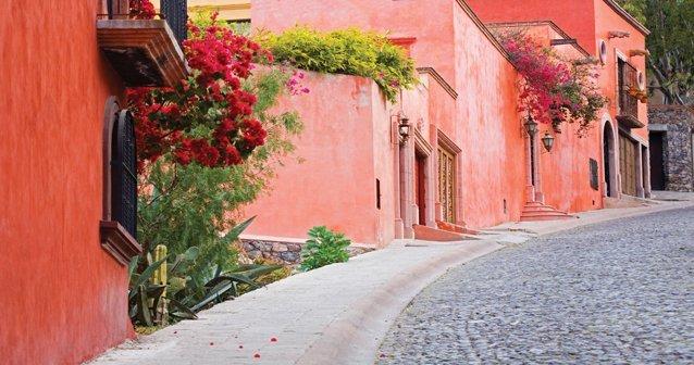 San Miguel de Allende: imán de artistas y viajeros. - National ...