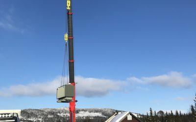 Transformator og generator montert på Fiskløysa
