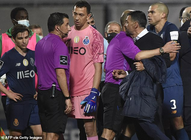 Porto Boss Red Card