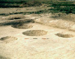Iron Age pits at Blackhorse Road
