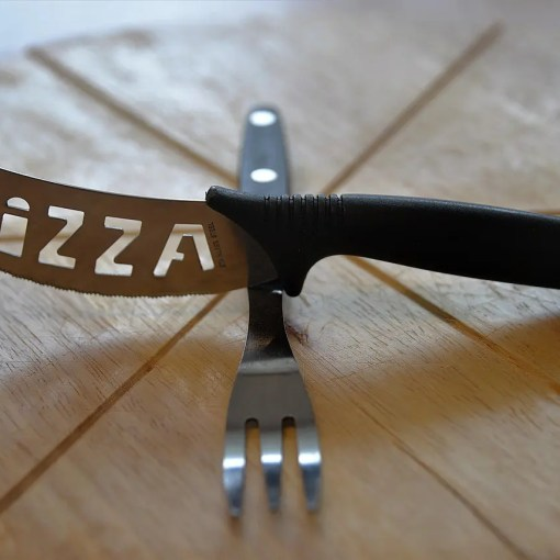 pizza-cutlery