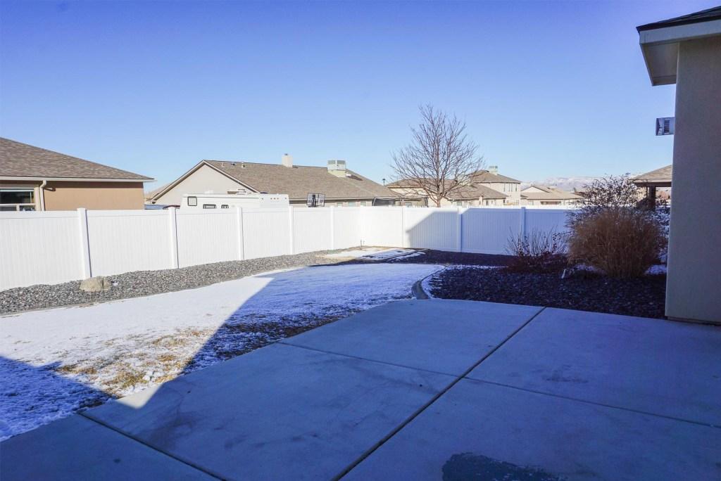161 Sun Hawk back yard