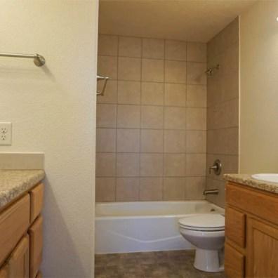 upstairs hall bath in 2996 Osprey