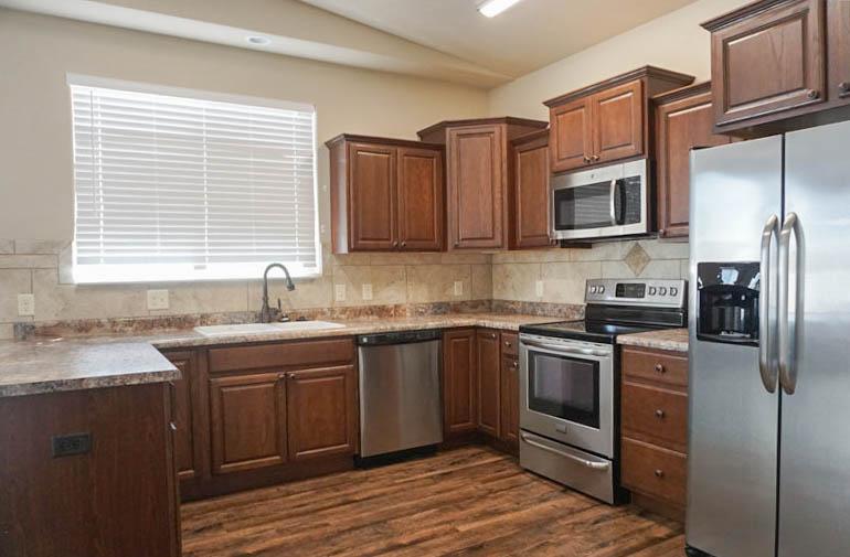 Wrap-around kitchen in 170 night hawk
