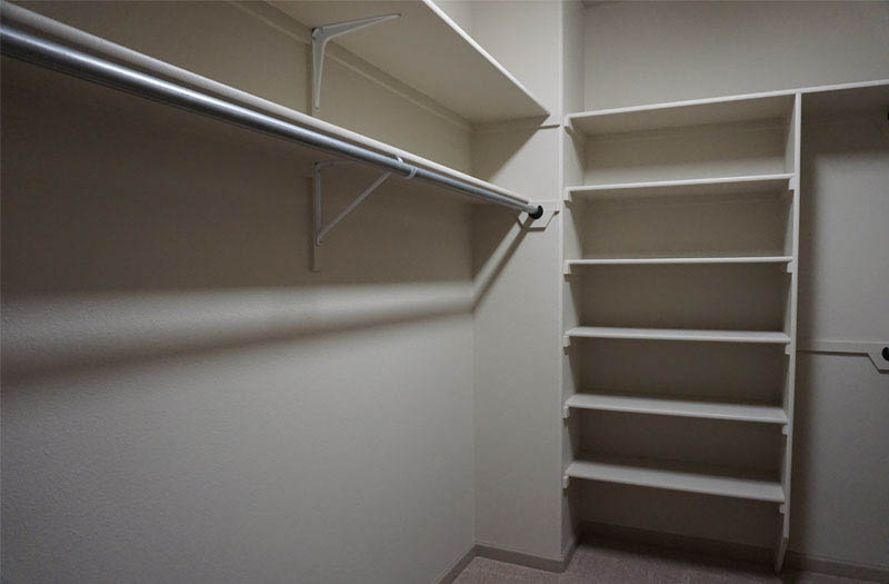 Walk-in closet in 170 Night Hawk's master suite