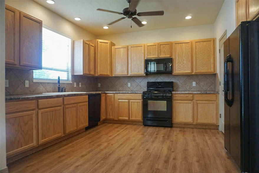 Large kitchen with lots of storage in 2997 Black Hawk Way