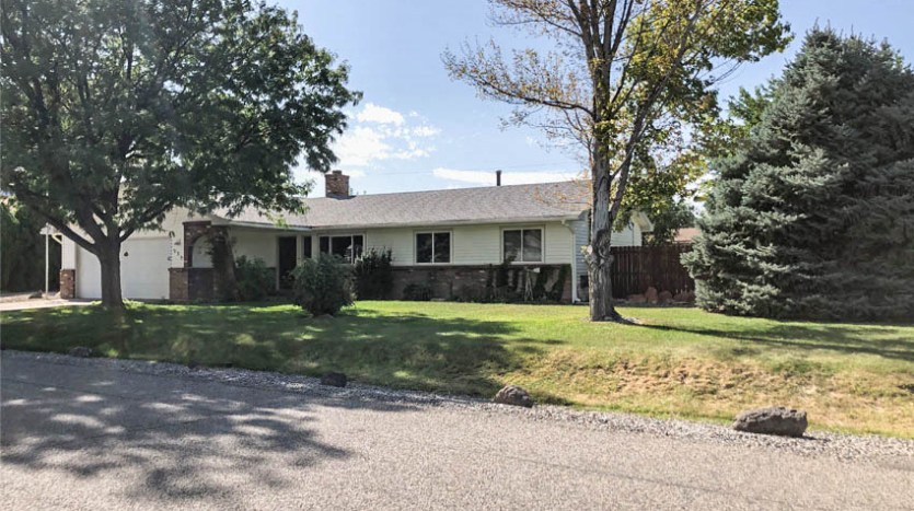 535 Oriole Drive sits on a half acre lot on the Redlands