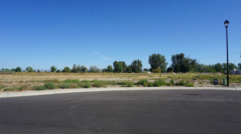 1485 Lakeview Place, a vacant lot in Fruita Colorado