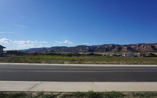 1388 Lakeview Place, Fruita, CO is a vacant building lot located in Adobe Falls.
