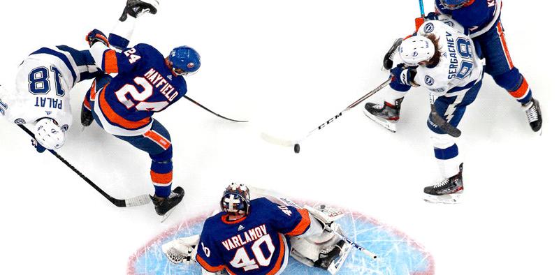 Série entre Islanders e Lightning empatada em 1-1