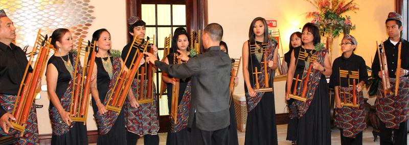 Bahay Kubo for Angklung and Piano