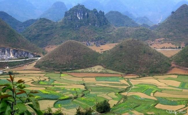 Núi Đôi hay núi Cô Tiên ở Quãn Bạ. Photo: TốngMai