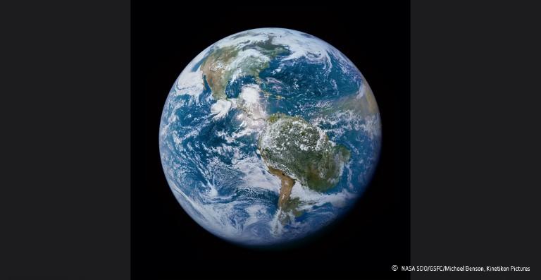 Bilderesultat for planet earth