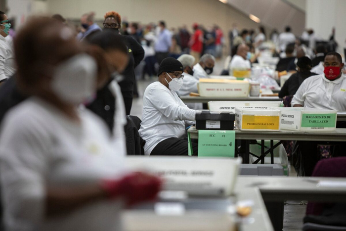 Thousands of Unregistered People Allowed to Vote by Mail in Detroit, Poll Watcher Alleges