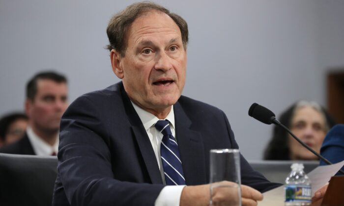 Justice Alito Moves up Supreme Court Deadline in Key Pennsylvania Mail-In Ballot Case