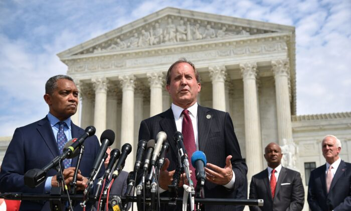 Texas Attorney General Threatens to Sue Biden Administration Over 'Illegal Deportation Freeze'