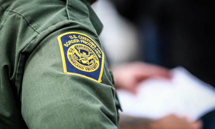 Texas Lawmaker Urges Homeland Security to End Biden's 'Catch and Release' Policy