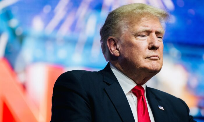Trump Amends Big Tech Lawsuit as 65,000 Americans Submit Censorship Stories