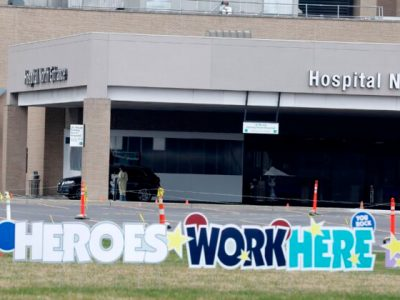 Michigan Hospital System Says Workers With COVID-19 Natural Immunity Don't Need Vaccine