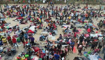 Texas Governor Closes Down Border Crossings With Mexico Amid Surge of Illegal Immigrants
