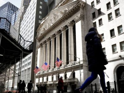 Wall Street Rally Fizzles out as Evergrande Worries Persis