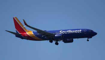 Southwest Airlines Pilots Union Sues to Block COVID-19 Vaccination Mandate