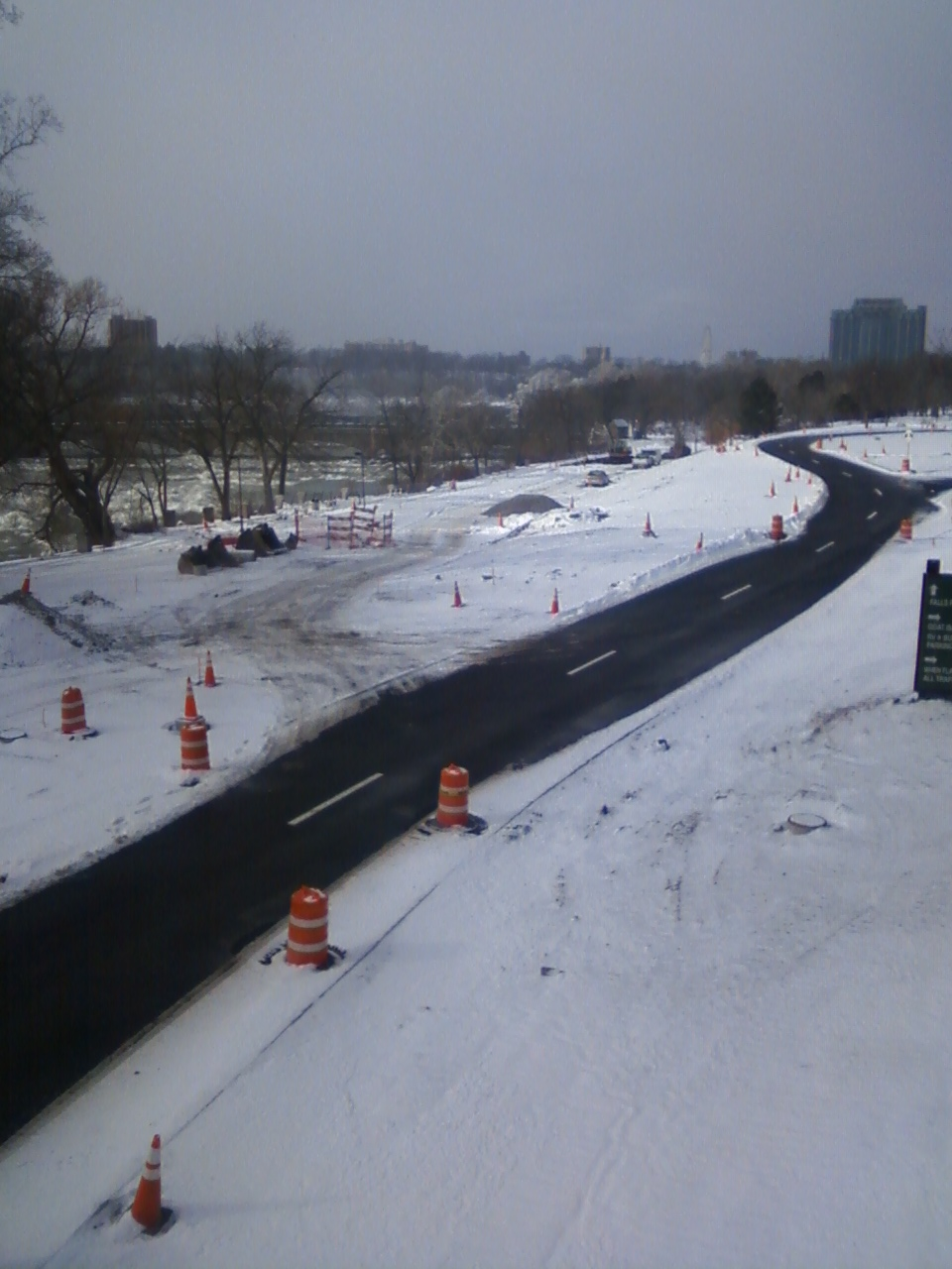 Parkway on its way into park