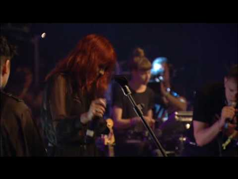, The XX & Florence and the Machine – 'You Got The Love' (Live at Glastonbury 2010)