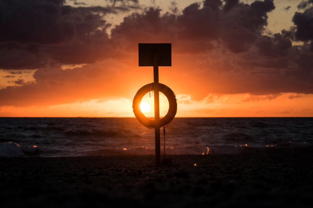 Il sole abbraccia la Sardegna