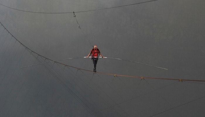 Record Mundial de Nik Wallenda al cruzar un volcán activo en Nicaragua