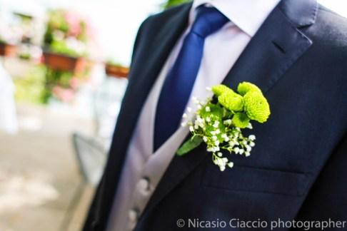 Fiori bottoniera per lo sposo