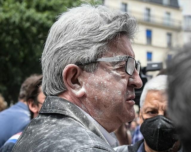 Jean-Luc Mélenchon - enfariné
