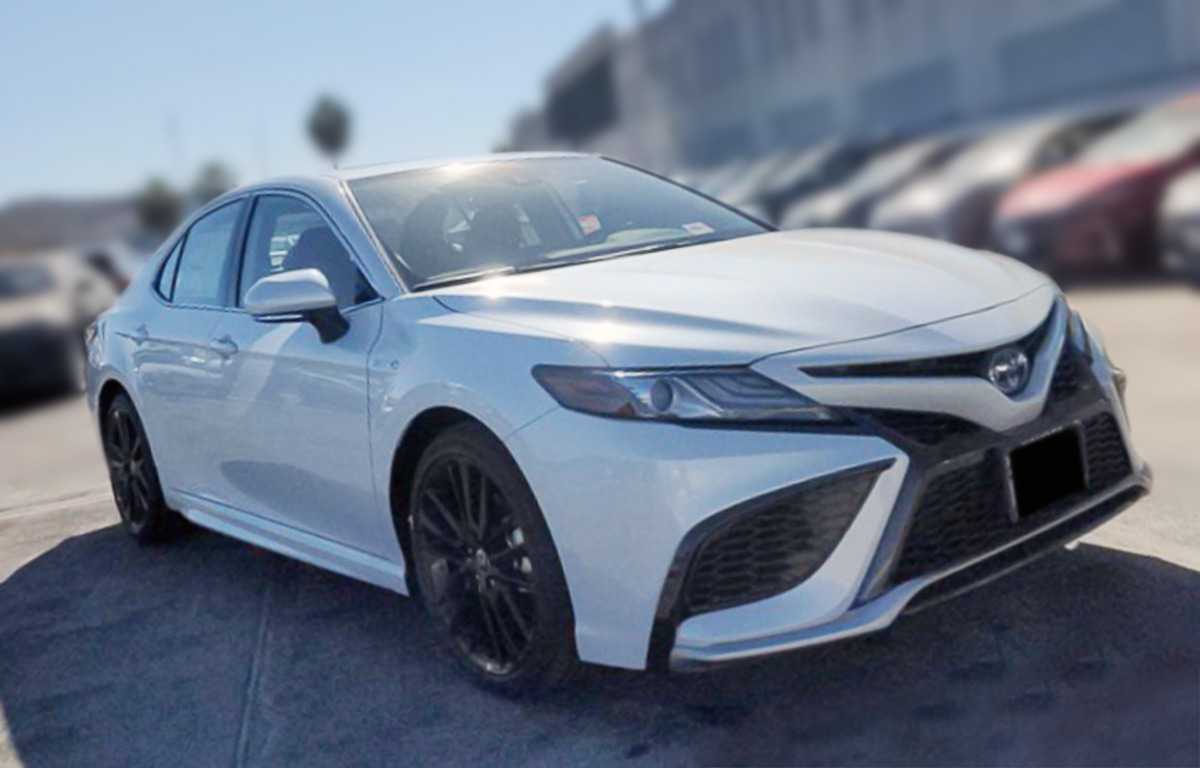 toyota-camry-hybrid-xse-2021-wind-chill-pearl