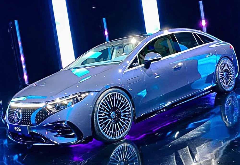 2022-mercedes-eqs-blue