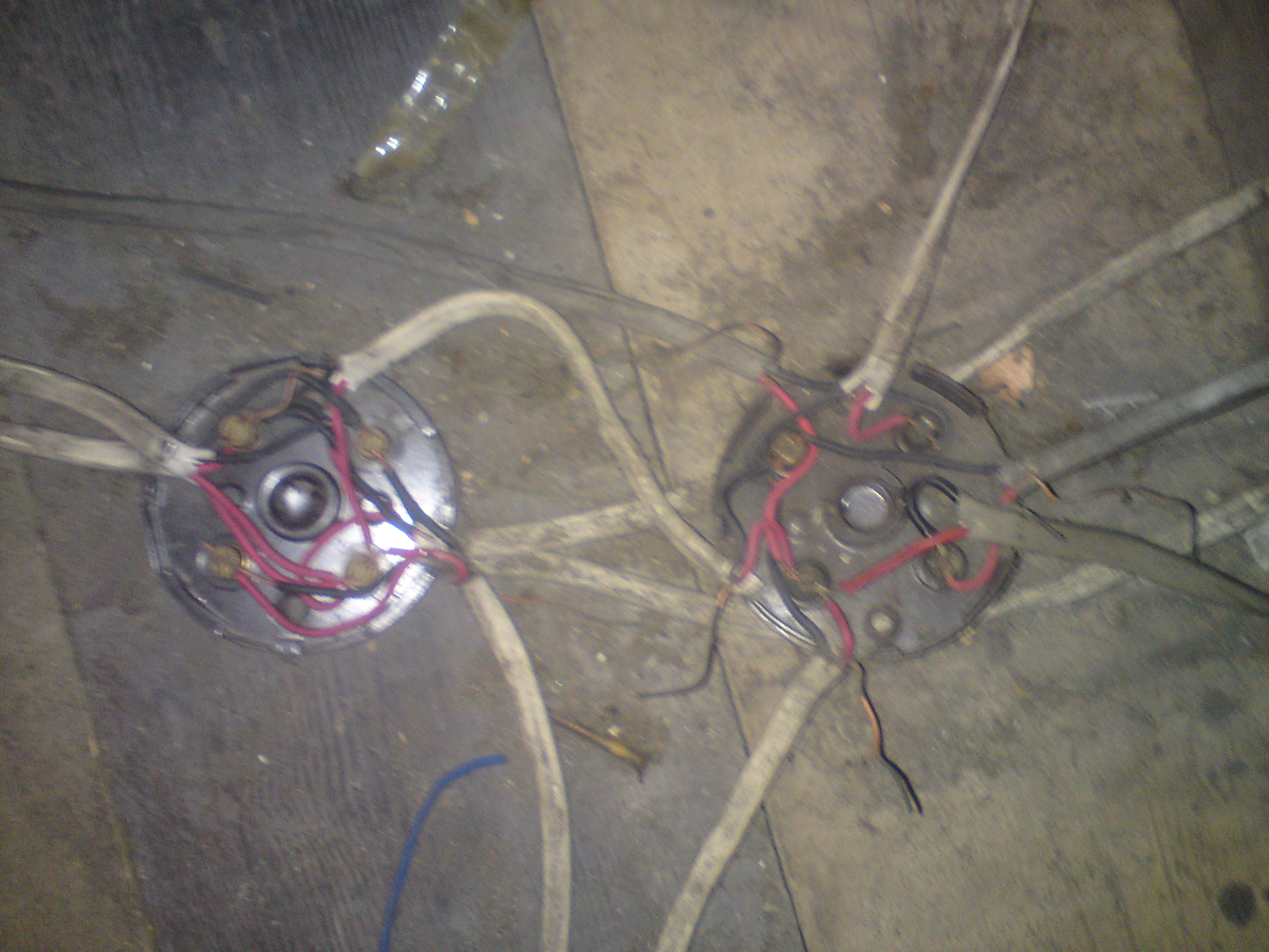 Electrical Test And Inspection Dangerous Wiring A Wall Light Ing Uk Including Wire The Bare Earth Wires Have Been Folded Back Not Connected At All