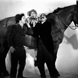 Marx Brothers (A Day at the Races)_03