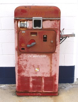 vintage vending devices machines (5)