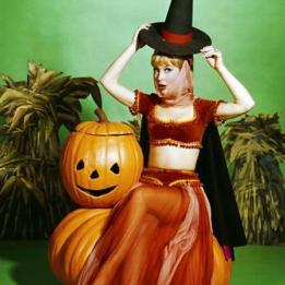 halloween with pin up pumpkin bucket