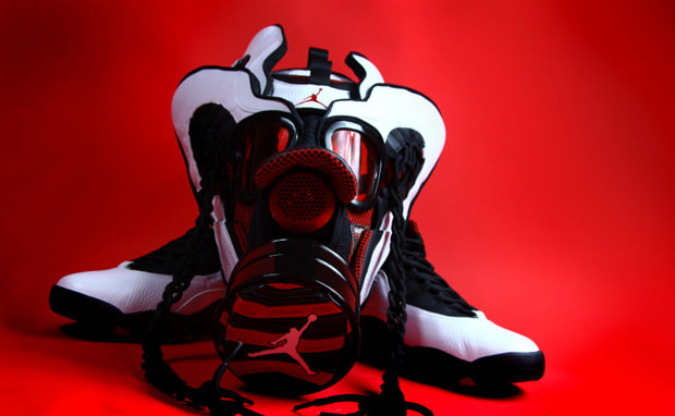 "Air Jordan 10 ""Chicago"" Gas Mask"