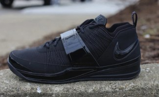 "Nike Zoom Revis ""Blackout"""