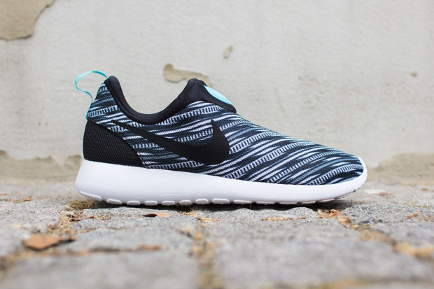 cheaper aeec2 65517 Nike Roshe Run Slip On GPX Black White