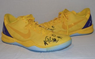 Nick-Young-Signed-Nike-Basketball-Shoes-4