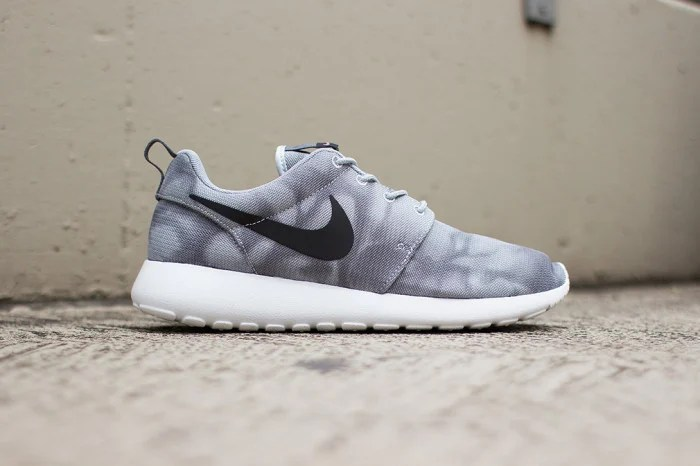 low priced 2962b efd29 Nike Roshe Run Print