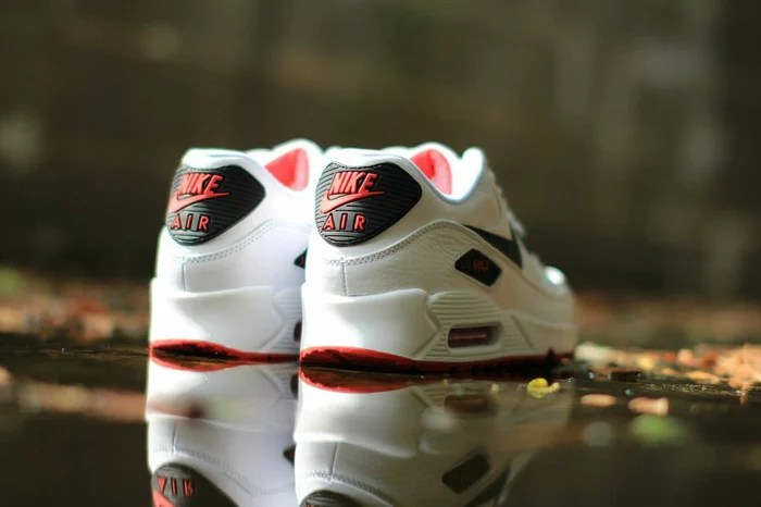 nike air max 90 white and red