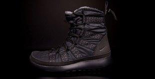 """buy online 644b6 17969 Nike WMNS Roshe Run Hi Sneakerboot """"Black"""""""