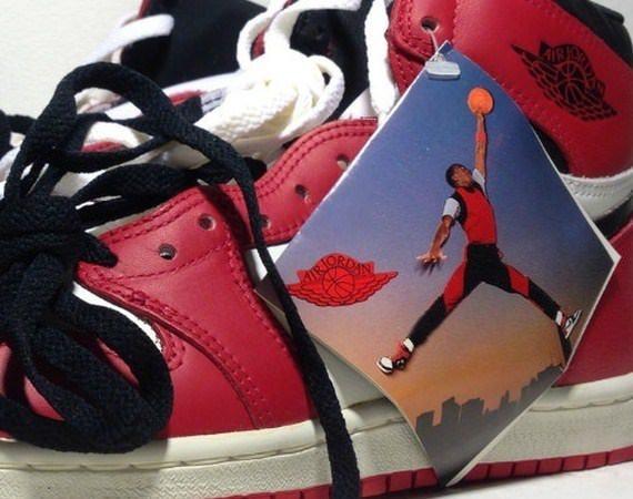 """Hangtag from Nike Air Jordan (1985) featuring Michael Jordan doing """"Jumpman pose"""" photographed for Nike"""
