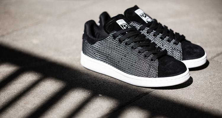 Adidas Stan Smith Core Negro / blanco corriendo disponible ahora Nice kicks