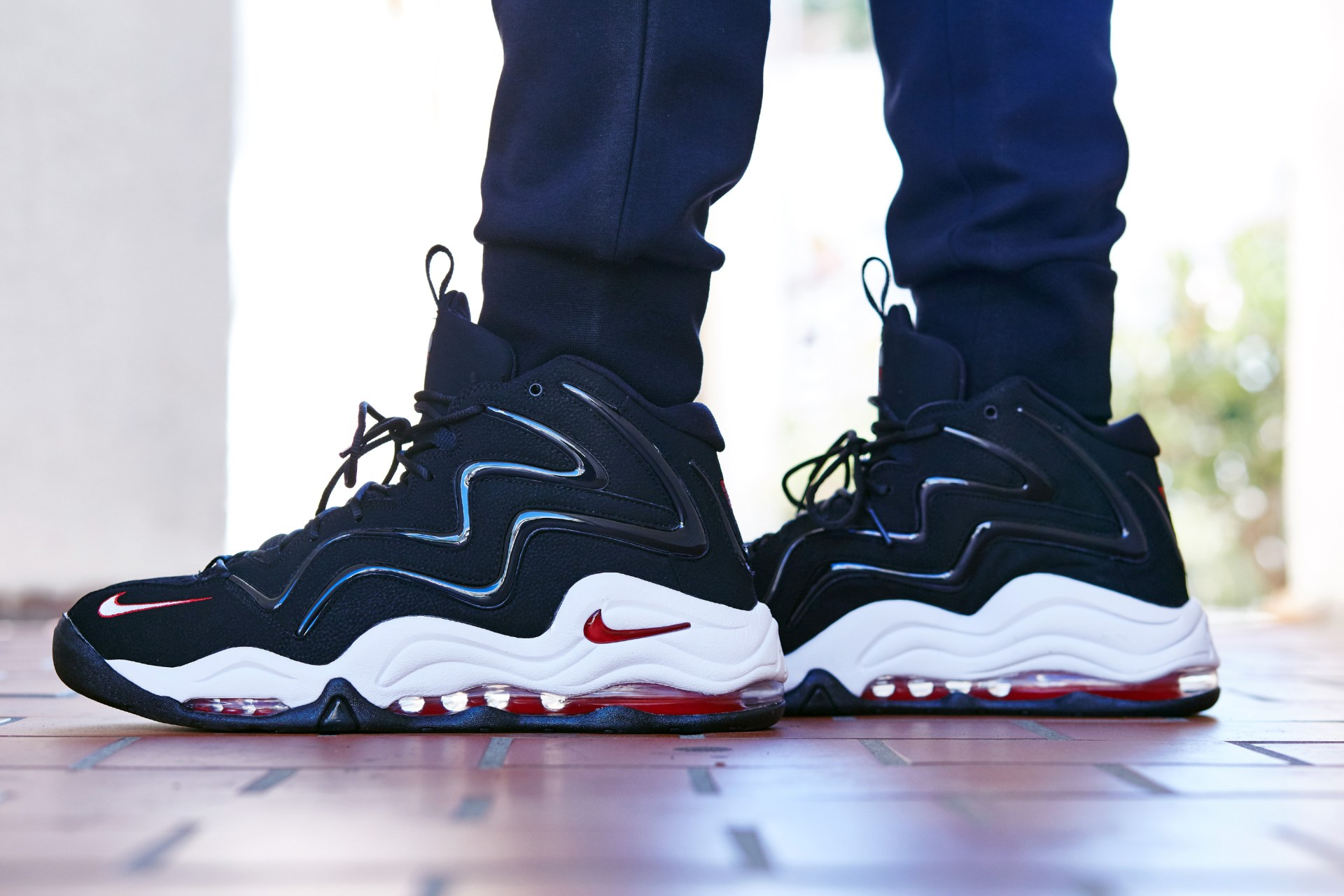 0426b1935edc4d On-Foot Look    Nike Air Pippen 1 Black Red