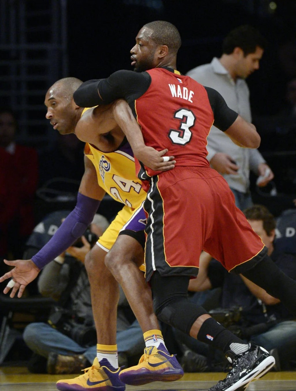 Kobe Bryant and Dwyane Wade in the Nike Kobe 11 and the Li-Ning Way of Wade 4, respectively
