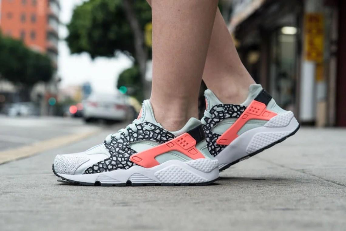 "Nike Air Huarache Premium ""Pure Platinum"" On-Foot Look"